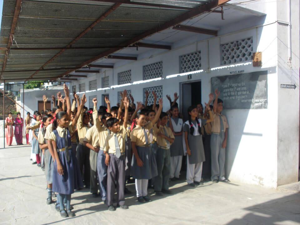 סדנת תיפוף על הגוף לילדים בבית ספר באג'מר- הודו